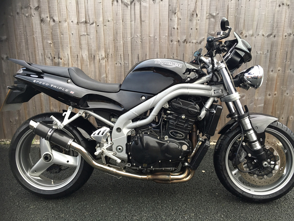 Triumph Speed Triple 955i Round Moto Gp Stubby Carbon Fibre Exhaust